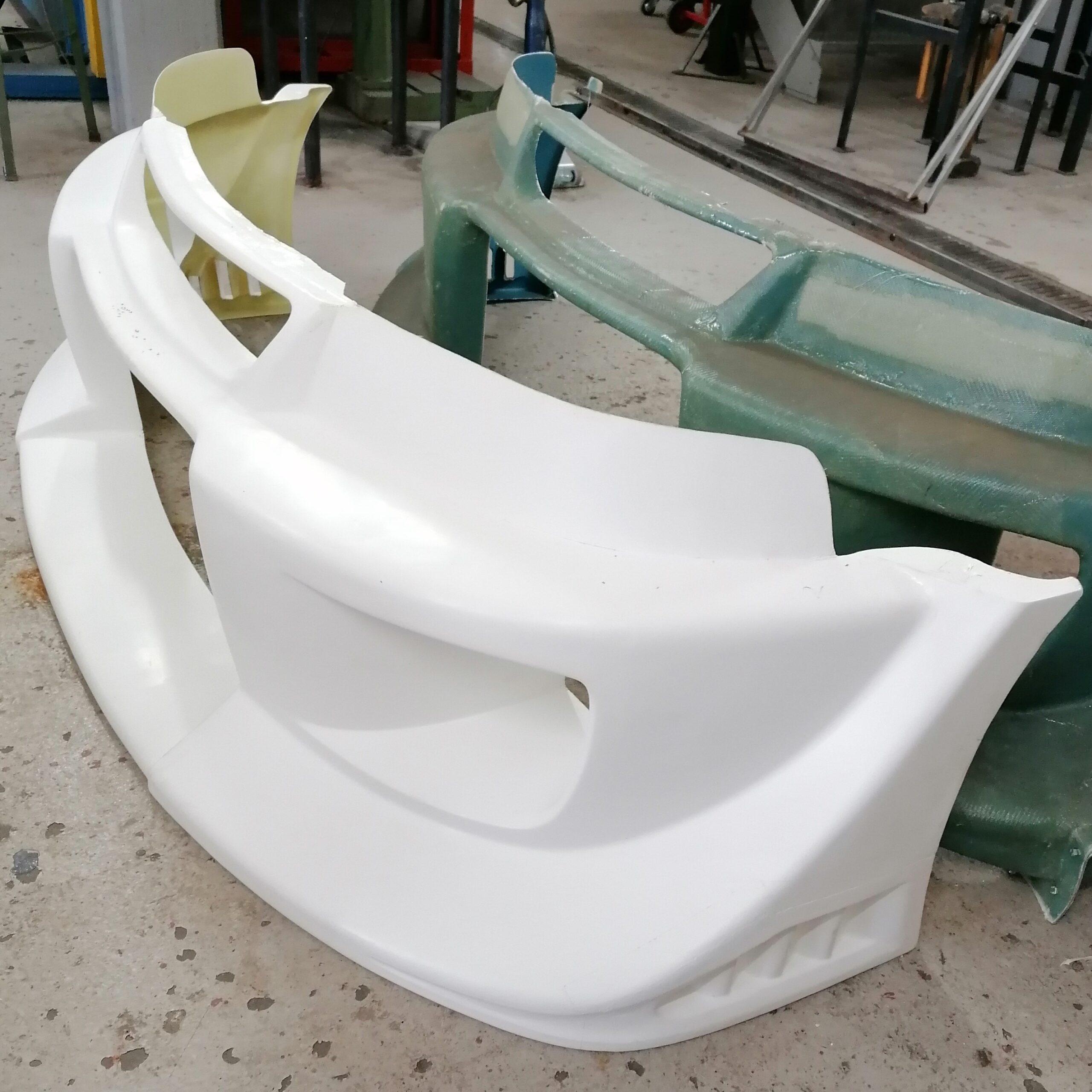 Glasfaser verstärkter Kunststoff reparieren wir oder fertigen ein Neuteil an.