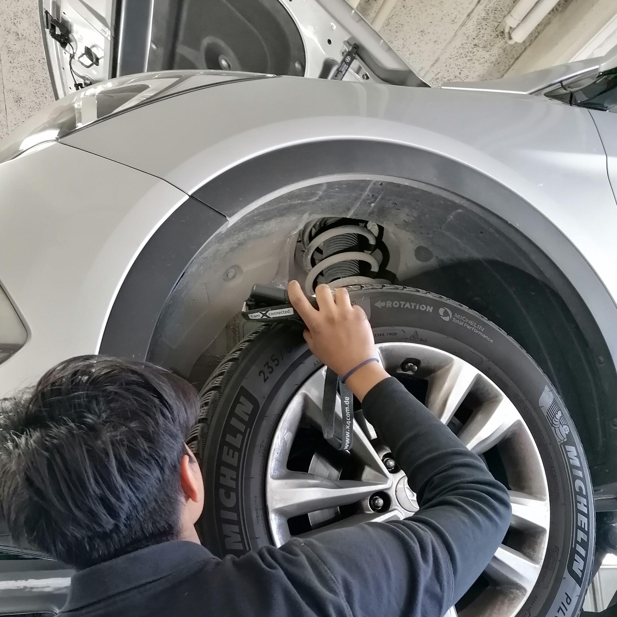 Überlass uns die gesamte Abwicklung rund um die wiederholte Fahrzeugprüfung.